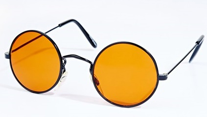 Sunglasses-Urban-Outfitters-2-Vogue-11Jul13-PR_b_426x639