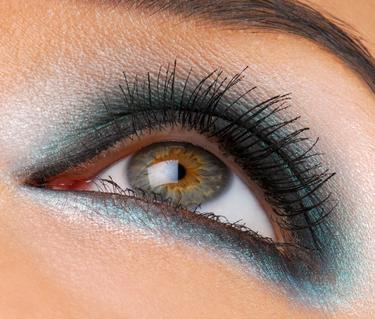 Bright fashion make-up