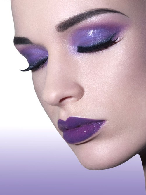 purple-eyeshaodw-lips